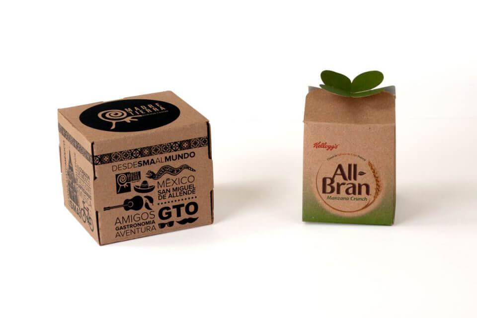 Caja plegadiza ecológica elaborada en catulina kraft con suaje especial.